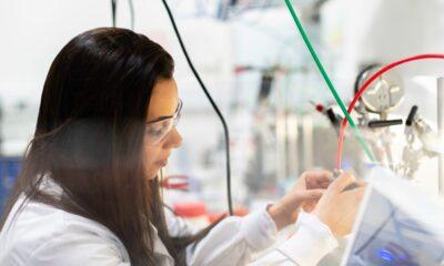 coronavirus scientists in the lab