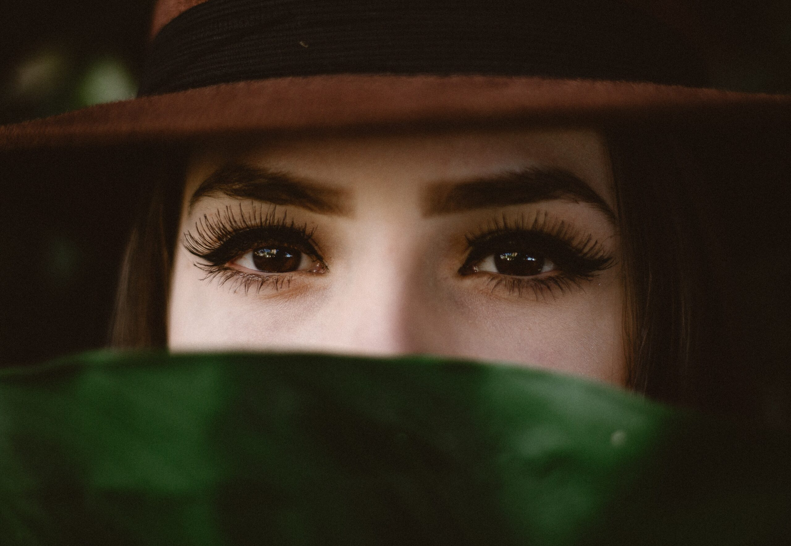 good eyebrows and eyelashes